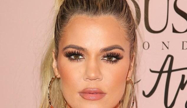 Khloé Kardashian-The Falsies-Mascara-Maybelline