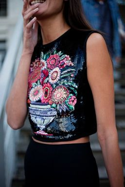trends-bordado-black-dress