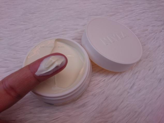 nivea-q10-plus-antissinais-creme-facial-dia-textura