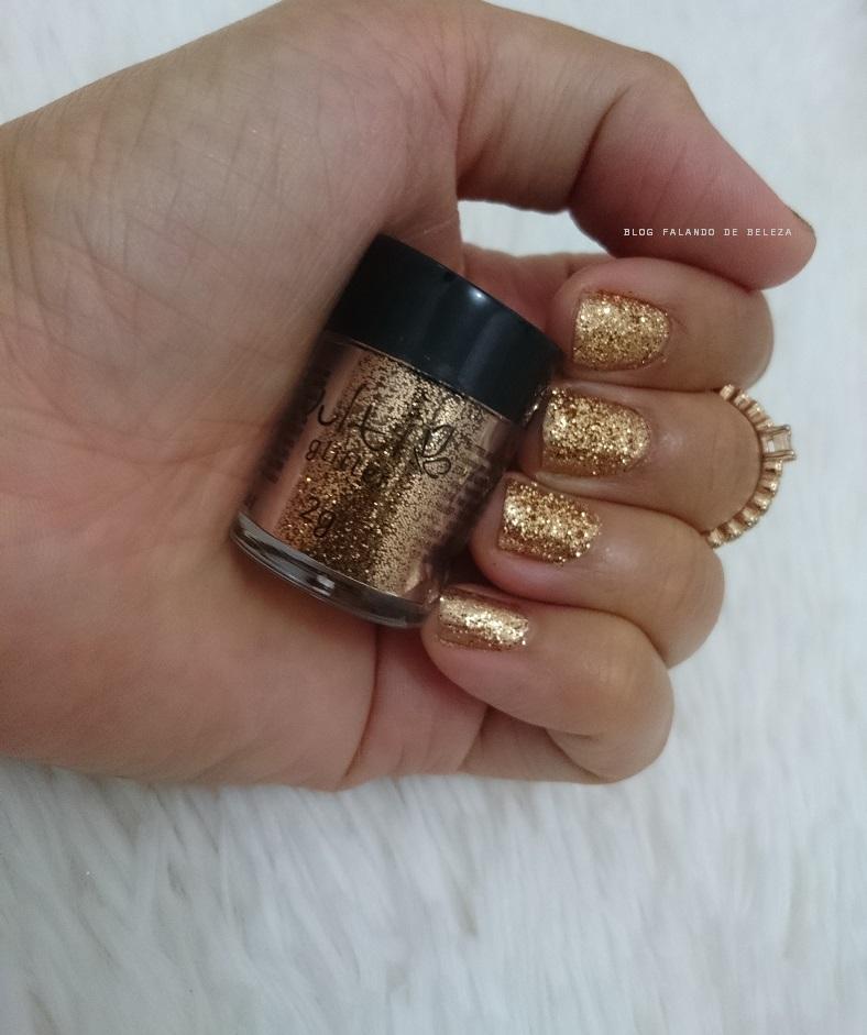 unhas-carnaval-glitter-dourado-vult-1