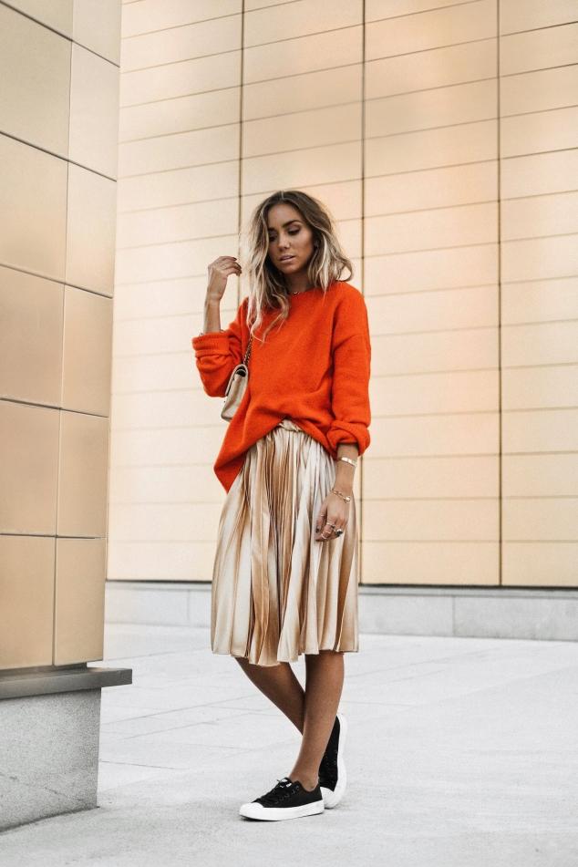 Look-Inspiração-saia-plissada-metalizada-pleated-skirt-