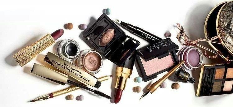 maquiagem-vencida-alterada-cuidados