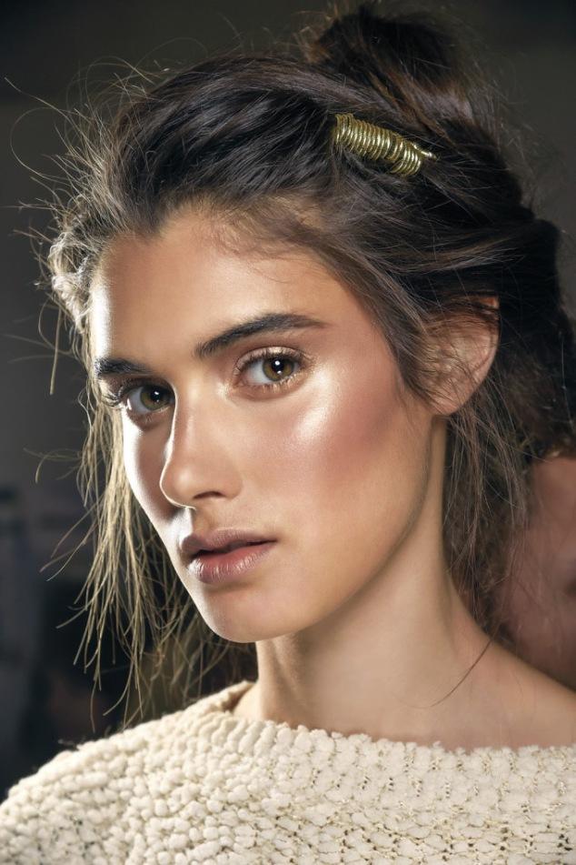 Maquiagem-Iluminador-Pele-Dia