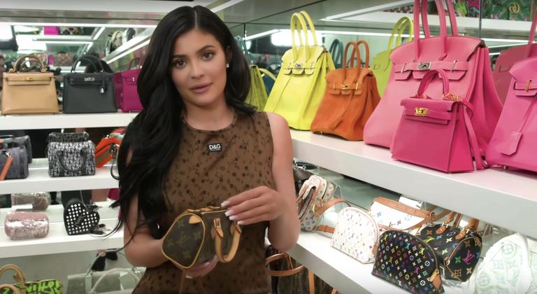 Kylie-Jenner-tour-closet-bolsas